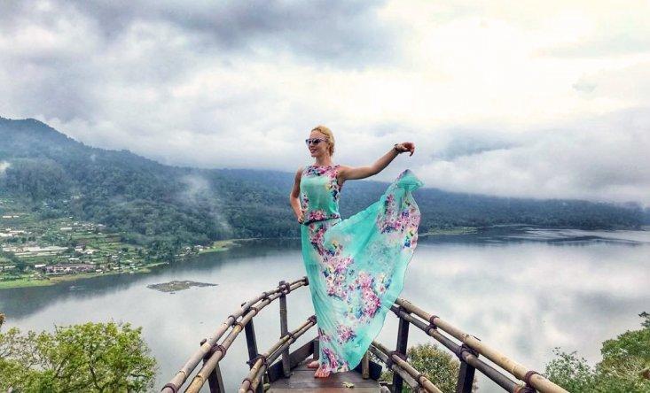 Смотровая площадка между озерами Буян и Тамблинган
