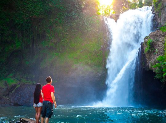 Тегенунган (Tegenungan Waterfall)