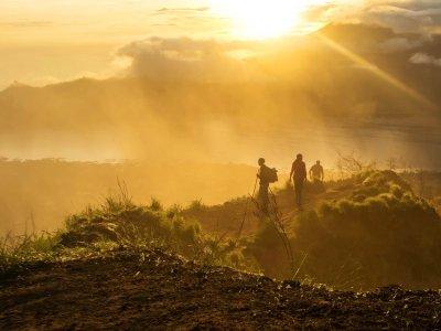Восхождение на вулкан Батур с посещением горячих источников