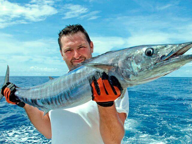 Рыбалка на скоростном катере в океане на Бали